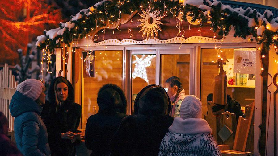 Праздничная ярмарка, организованная в рамках проекта «Резная сказка Хвалынска»